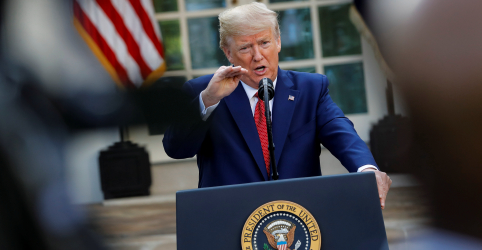 Trump desiste de reabrir o comércio em abril em meio a alertas sobre coronavírus