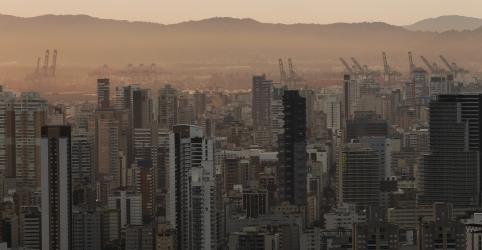 Justiça proíbe desembarque de tripulação de cruzeiro em Santos por suspeita de coronavírus