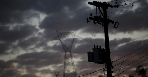 EXCLUSIVO-Governo avalia empréstimo para apoiar distribuidoras de energia após coronavírus