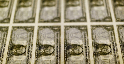 Placeholder - loading - Dólar sobe e voltar a superar R$5,20 em final de trimestre de cautela generalizada