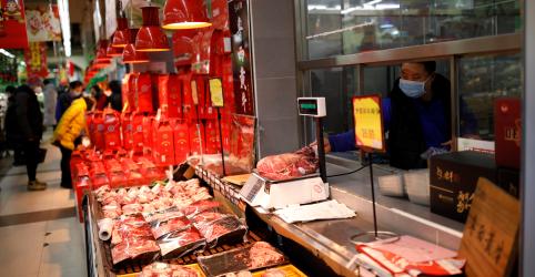 EXCLUSIVO-Habilitação de frigoríficos do Brasil para exportação à China é paralisada por coronavírus