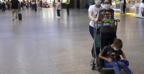 Placeholder - loading - Imagem da notícia Aeroporto de Guarulhos suspende embarque e desembarque no terminal 1