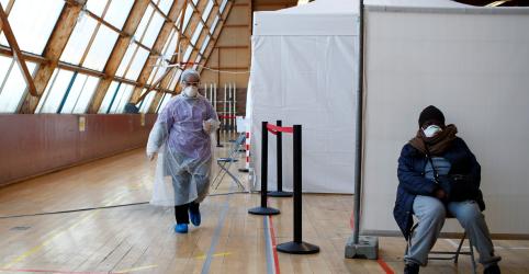 Taxa de mortes por coronavírus na França cresce pelo terceiro dia
