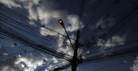 EXCLUSIVO-Distribuidoras de energia notificam geradores sobre força maior após coronavírus