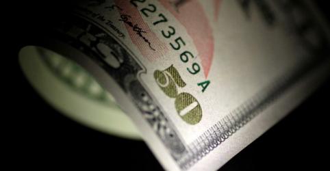 Dólar inicia abril em novo recorde acima de R$5,26; real lidera perdas globais em 2020