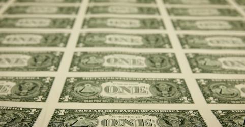 Dólar ultrapassa R$5,30 e caminha para 7ª semana de alta após evidências de efeitos econômicos do coronavírus