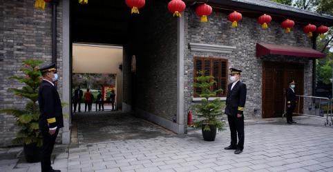 Placeholder - loading - Citando lapsos iniciais, China relata 1.300 mortes de vírus não computadas em Wuhan