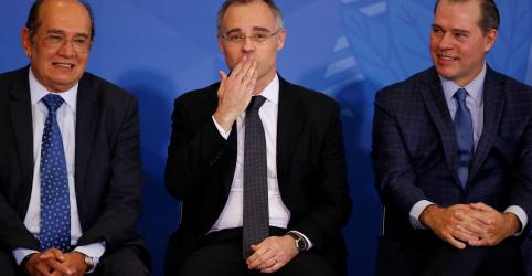 Placeholder - loading - Mendonça assume Justiça e cutuca Moro: 'cobrem mais operações da PF, presidente'