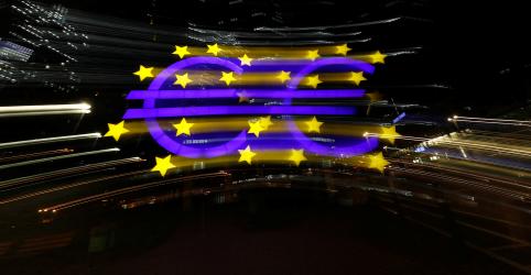 Placeholder - loading - Imagem da notícia Economia da zona euro encolhe a taxa recorde no 1º tri, inflação desacelera