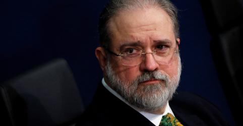 Placeholder - loading - Imagem da notícia PGR pede que MP de Brasília investigue agressões a jornalistas em ato na frente do Planalto