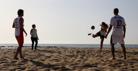 Placeholder - loading - Barcelona abre praias enquanto Espanha decide próximos passos do fim do isolamento