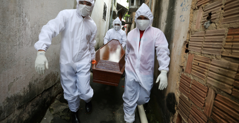 Placeholder - loading - Enquanto mortes crescem na Amazônia, dados oficiais de Covid-19 são questionados