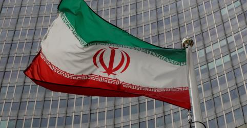 Placeholder - loading - Míssil atinge navio de guerra do Irã durante treinamento e mata 19 marinheiros