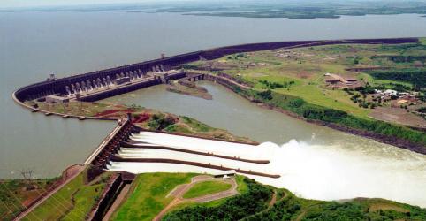 Placeholder - loading - Imagem da notícia Itaipu abre vertedouro para ajudar países vizinhos a escoar safra de grãos