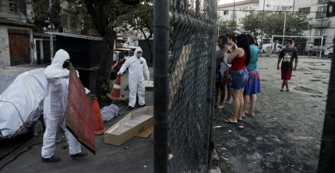 Placeholder - loading - Imagem da notícia Brasil supera 16 mil mortes por Covid-19, diz Ministério