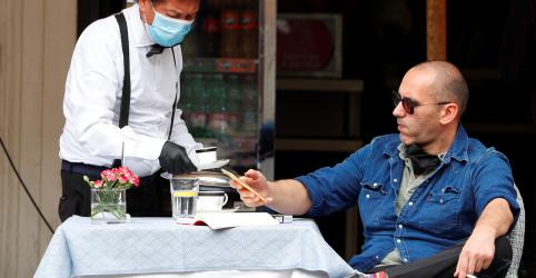 Placeholder - loading - Itália tem 'um dia lindo' depois de lojas e bares finalmente reabrirem