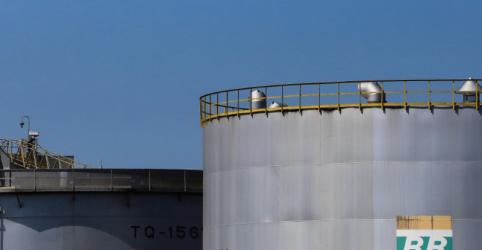 Placeholder - loading - Na 1ª alta do ano, diesel da Petrobras sobe 8%; preço da gasolina é mantido