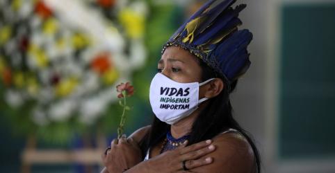 Placeholder - loading - Imagem da notícia Prefeito de Manaus teme genocídio de índios com Covid-19 e fala em crime contra humanidade
