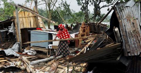 Placeholder - loading - Imagem da notícia Ciclone mata ao menos 82 e inunda partes da Índia e de Bangladesh