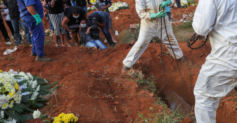 Placeholder - loading - EUA proíbem entrada no país de pessoas provenientes do Brasil por Covid-19
