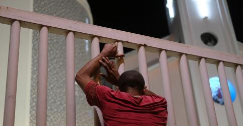 Placeholder - loading - Imagem da notícia Prefeitura do Rio publica decreto que autoriza funcionamento de igrejas na pandemia