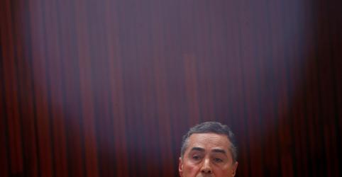 Placeholder - loading - Imagem da notícia Ataque destrutivo às instituições nos levou a duas ditaduras, diz Barroso em posse no TSE