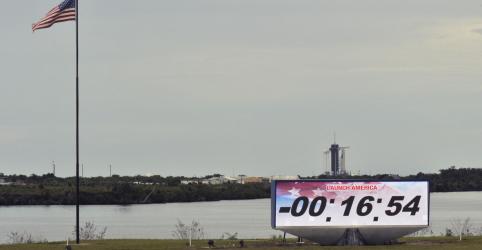 Placeholder - loading - Imagem da notícia Mau tempo adia lançamento de primeira missão espacial tripulada da SpaceX