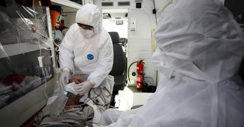 Placeholder - loading - Imagem da notícia Brasil supera 400 mil casos e 25 mil mortes por coronavírus