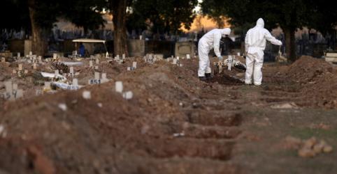 Placeholder - loading - Imagem da notícia Brasil passa marca de 500 mil casos de Covid-19 e tem 480 novas mortes
