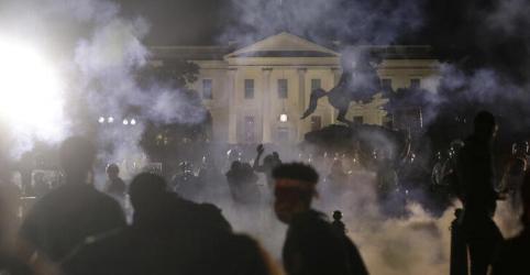 Placeholder - loading - Incêndios acontecem perto da Casa Branca em domingo de protestos violentos nos EUA