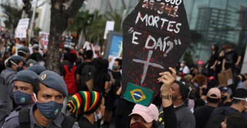 Placeholder - loading - Imagem da notícia Brasil tem novo recorde diário com 1.262 mortes por coronavírus e passa de 31 mil óbitos