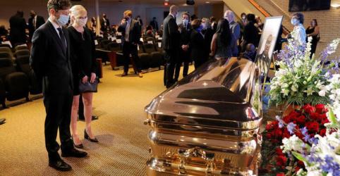Placeholder - loading - Imagem da notícia George Floyd é homenageado em funeral em Mineápolis após onda de protestos