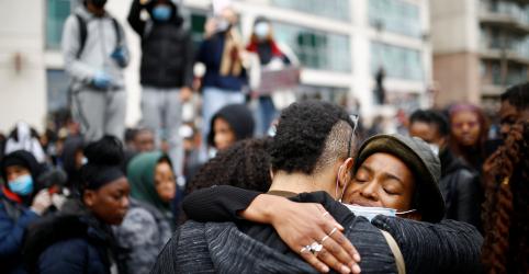 """Placeholder - loading - Imagem da notícia Protestos espalhados pelo mundo apoiam movimento """"Black Lives Matter"""""""