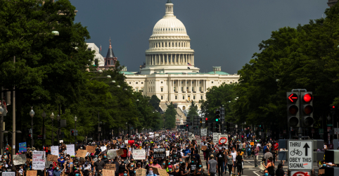 Placeholder - loading - Protestos do Black Lives Matter por justiça racial nos EUA alcançam nova dimensão
