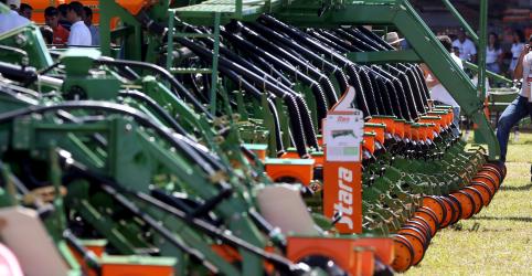 Placeholder - loading - Imagem da notícia ENFOQUE-Indústria de máquinas agrícolas sobe preço no Brasil para mitigar custos com câmbio