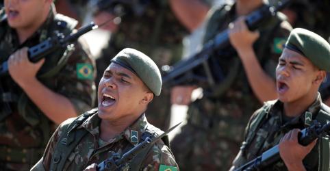 Placeholder - loading - Imagem da notícia Em liminar, Fux diz que presidente tem 'poder limitado' sobre Forças Armadas
