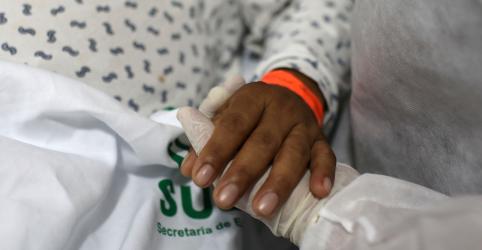 Placeholder - loading - Imagem da notícia Brasil tem 867 mil casos confirmados de Covid-19 e 43.332 mortos