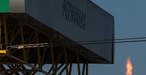 Placeholder - loading - Petrobras eleva diesel em 8% na refinaria; gasolina sobe 5%