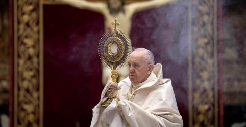 Placeholder - loading - Imagem da notícia Vaticano pede que católicos não invistam em combustíveis fósseis e armas