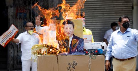 Placeholder - loading - Comandantes indianos e chineses conversam em meio a pedidos de boicote a produtos da China