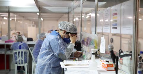 Placeholder - loading - Imagem da notícia Casos de coronavírus no mundo passam de 9 milhões com aceleração no Brasil e na Índia