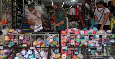 Placeholder - loading - Confiança do consumidor no Brasil mantém recuperação em junho, diz FGV