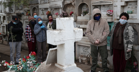 Placeholder - loading - Imagem da notícia Diretora da OMS para as Américas diz que 226.000 morreram de Covid-19 na região