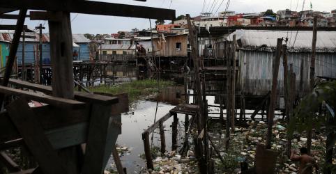 Placeholder - loading - Imagem da notícia Senado aprova novo marco regulatório do saneamento básico, que segue à sanção
