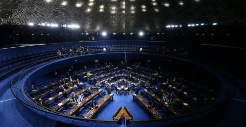 Placeholder - loading - Imagem da notícia Após pedido de senadores, Alcolumbre adia votação do projeto das fake news