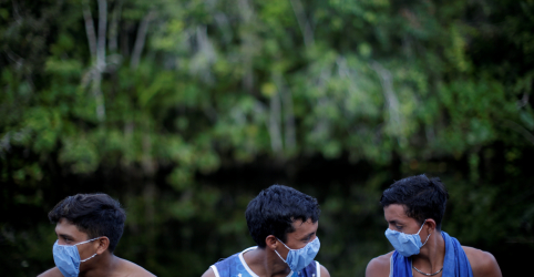 Placeholder - loading - Temor da Covid-19 aumenta entre indígenas isolados da Amazônia brasileira