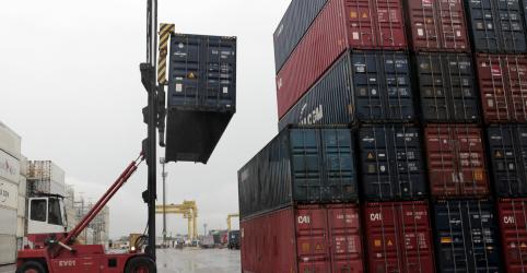 Placeholder - loading - Brasil tem superávit comercial recorde para junho, de US$7,5 bi