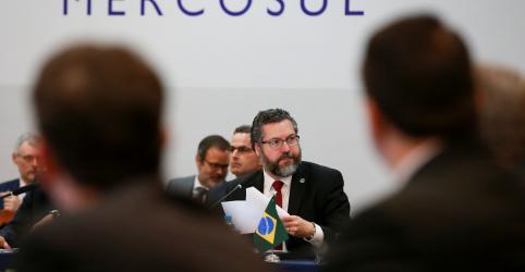 Placeholder - loading - Imagem da notícia Líderes do Mercosul tentam fechar acordo com a UE, apesar de resistência de Macron
