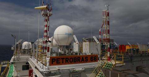 Placeholder - loading - Imagem da notícia Produção de petróleo do Brasil em maio recua ante abril com impacto de pandemia