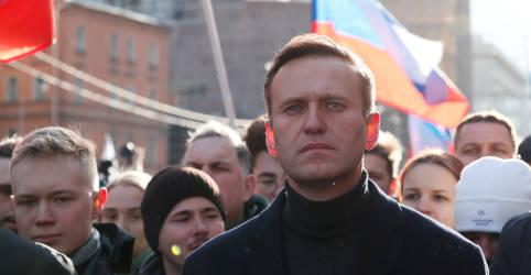 Placeholder - loading - Imagem da notícia Kremlin refuta pedidos para investigar doença de Navalny e questiona envenenamento